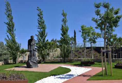 António Nobre (1867/1900) Dos Poetas do Barroco (Séc. XVIII) aos Poetas do Romântico (Séc. XIX) Escultor: José Joaquim Laranjeira Santos Parque dos Poetas (2ª Fase A)