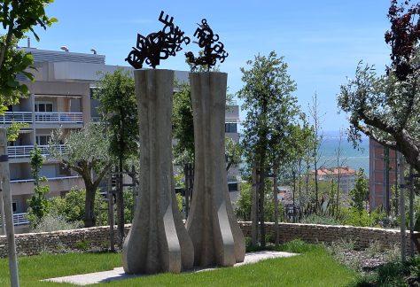 José Anastácio da Cunha (1744/1787) Dos Poetas do Barroco (Séc. XVIII) aos Poetas do Romântico (Séc. XIX) Escultor: Hélder Batista Parque dos Poetas (2ª Fase A)